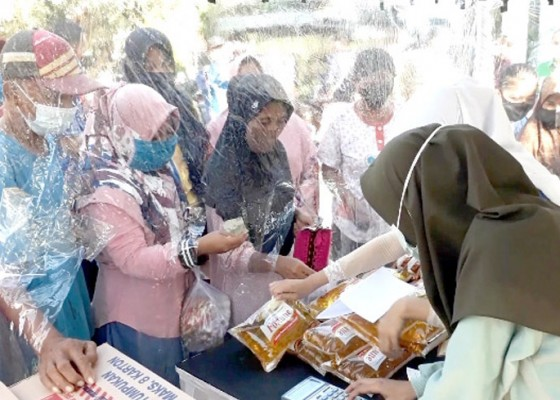 Nusabali.com - pasar-murah-500-kg-beras-hingga-1500-butir-telur-ludes-dalam-1-jam