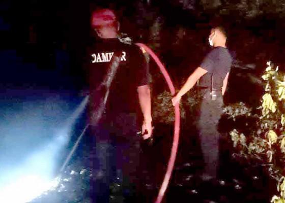 Nusabali.com - tpa-seloni-terbakar-warga-purwakerti-kena-polusi