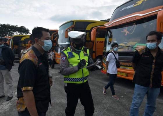 Nusabali.com - satpol-pp-bali-pertebal-personel-di-pelabuhan-dan-pos-penyekatan