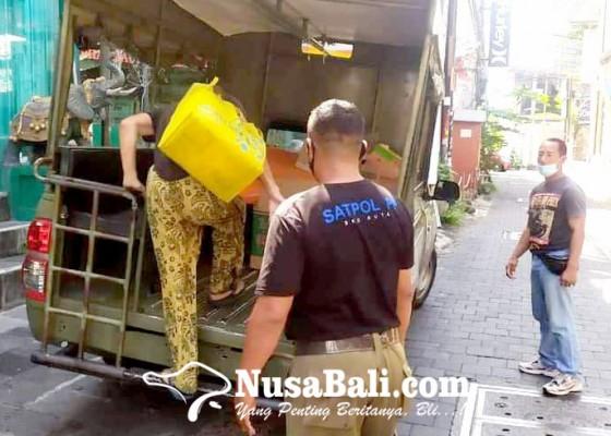 Nusabali.com - diserahkan-ke-kantor-imigrasi-ngurah-rai