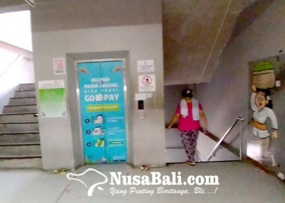 Nusabali.com - enam-lift-di-pasar-badung-rusak-sejak-tahun-lalu