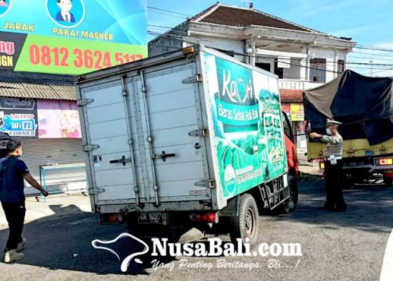 Nusabali.com - polisi-putar-balik-10-travel-gelap