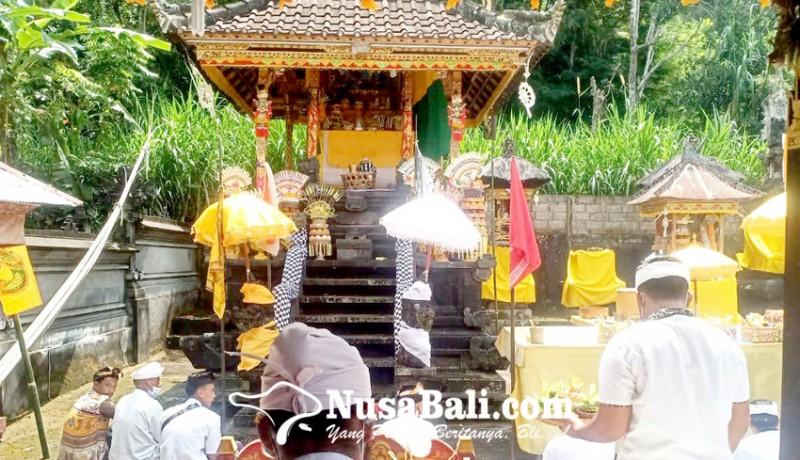 www.nusabali.com-pangempon-pura-dadia-pasek-kayu-selem-gelar-mangening-ening