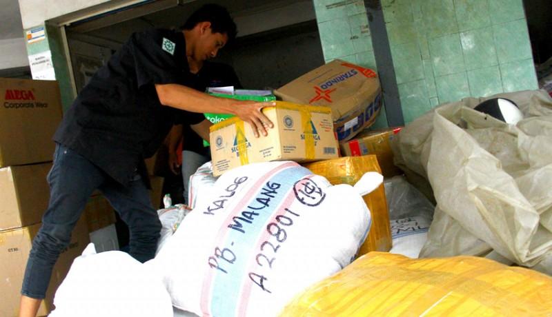www.nusabali.com-pengiriman-paket-melalui-kereta-meningkat