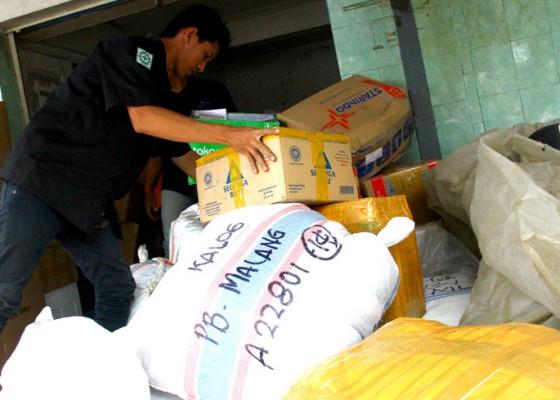 Nusabali.com - pengiriman-paket-melalui-kereta-meningkat