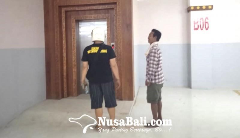 www.nusabali.com-2-pengunjung-pasar-terjebak-30-menit