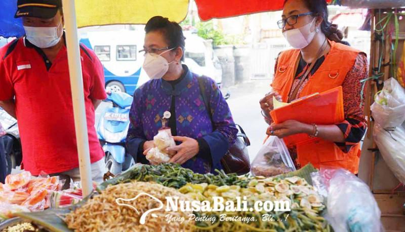 www.nusabali.com-bpom-cek-sampel-makanan-di-pasar-senggol-gajah-mada