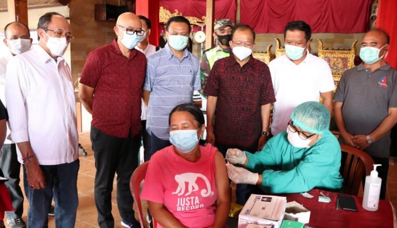 www.nusabali.com-gubernur-koster-sidak-vaksinasi-di-bangli