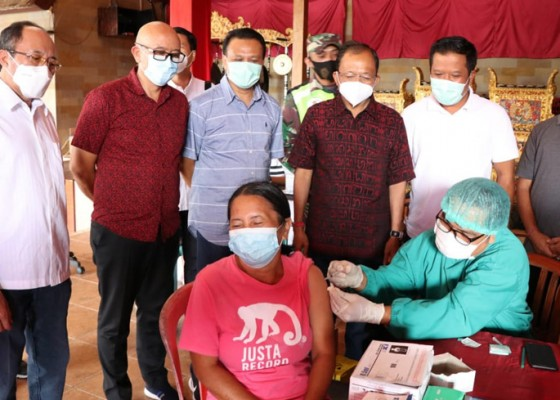 Nusabali.com - gubernur-koster-sidak-vaksinasi-di-bangli