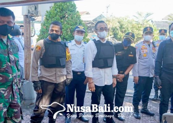 Nusabali.com - forkopimda-denpasar-badung-kompak-tinjau-pos-sekat-mudik