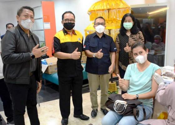 Nusabali.com - 1100-pegawai-perbankan-se-kota-denpasar-divaksinasi