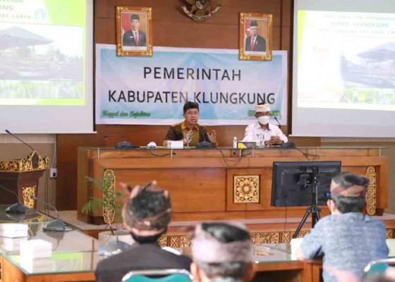 Nusabali.com - bupati-suwirta-kumpulkan-kelian-subak