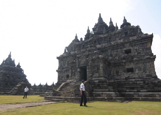 Nusabali.com - berada-di-zona-kuning-candi-prambanan-dibuka-untuk-wisatawan