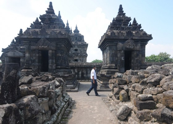Nusabali.com - prambanan-temple-placed-in-yellow-zone-reopens-to-public