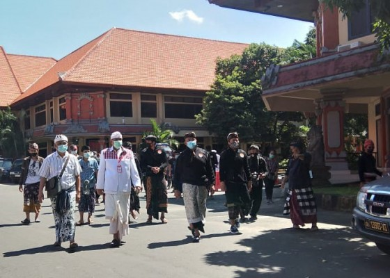 Nusabali.com - dipolisikan-phdi-mda-provinsi-bali-belum-bersikap