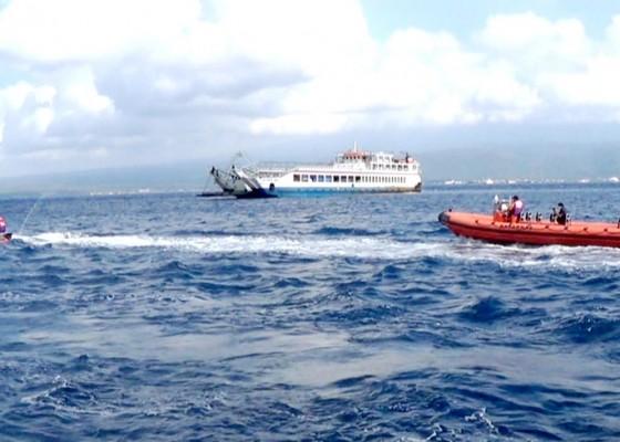 Nusabali.com - atensi-idul-fitri-sar-patroli-laut-di-selat-bali