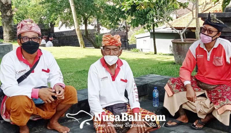 www.nusabali.com-pandemi-tukang-foto-tanah-lot-intensif-bertani