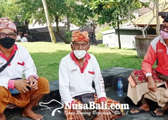 Nusabali.com - pandemi-tukang-foto-tanah-lot-intensif-bertani