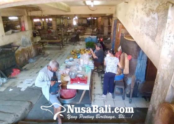 Nusabali.com - pedagang-pasar-senggol-kumbasari-keluhkan-omzet-anjlok