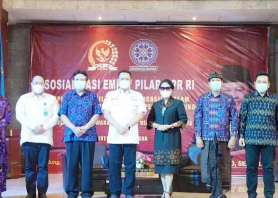 Nusabali.com - fakultas-hukum-unud-dan-mpr-gelar-sosialisasi-empat-pilar