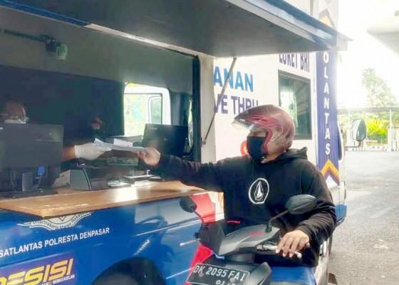 Nusabali.com - polresta-luncurkan-layanan-sim-keliling-drive-thru