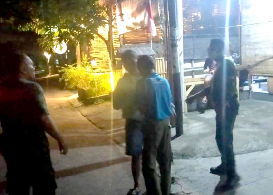 Nusabali.com - petugas-gabungan-bubarkan-belasan-remaja-pengendara-motor-brong