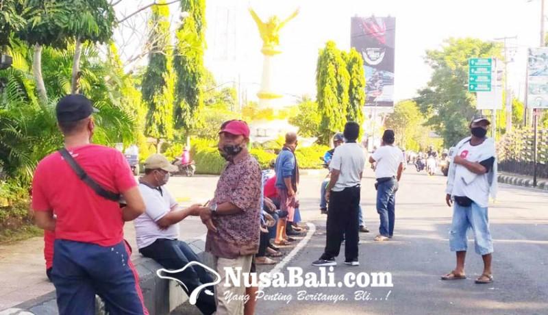 www.nusabali.com-merasa-diserobot-persosid-hadang-travel-ilegal