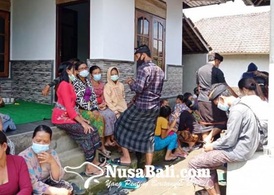 Nusabali.com - almarhum-dikenal-rajin-membantu-orangtua