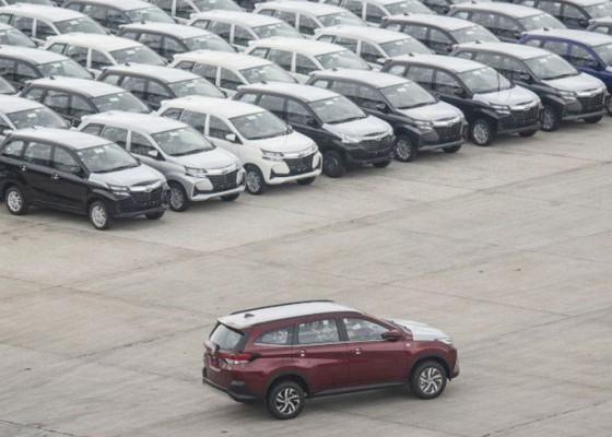 Nusabali.com - penjualan-mobil-april-naik-227
