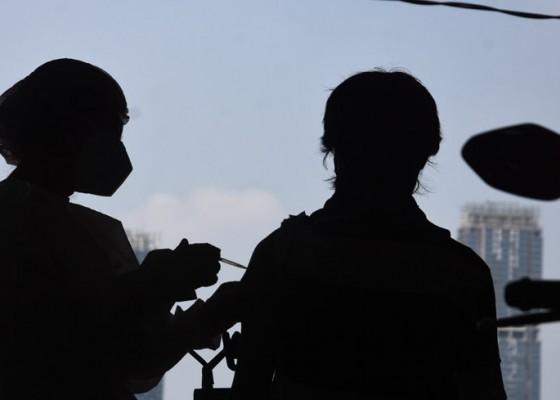 Nusabali.com - ada-229-laporan-kejadian-serius-usai-divaksin-sinovac-dan-astrazeneca