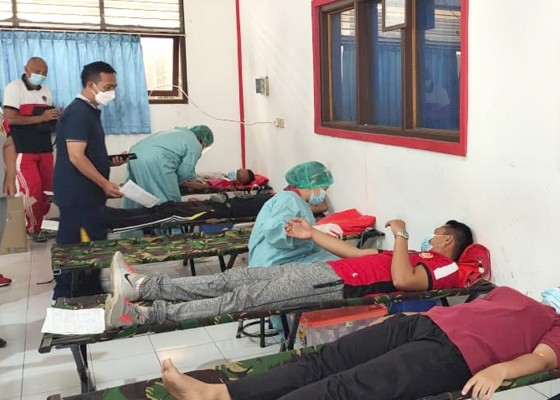 Nusabali.com - peringati-hardiknas-disdik-gelar-donor-darah