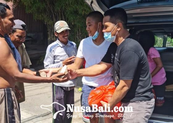 Nusabali.com - dulu-sayur-segar-sekarang-berbagi-nasi-bungkus-gratis