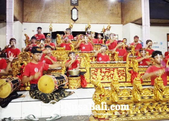 Nusabali.com - dari-pentas-banjar-menjajal-ardha-candra