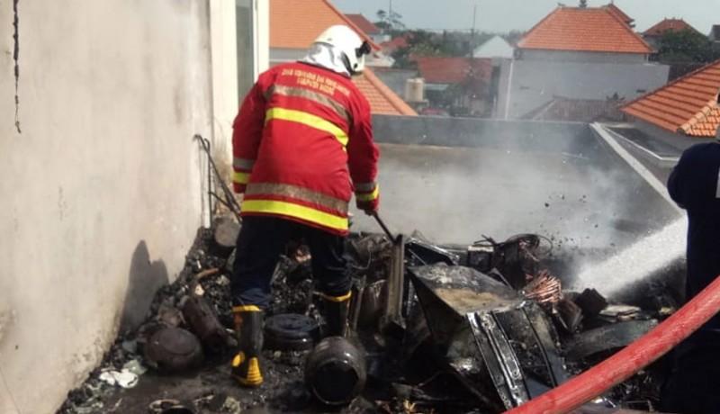 www.nusabali.com-diduga-korsleting-listrik-bale-piasan-ludes-terbakar