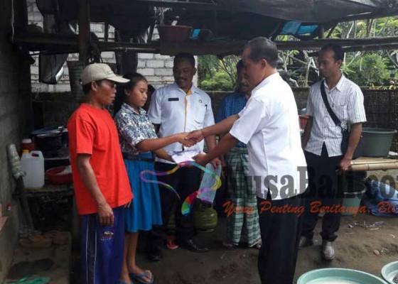 Nusabali.com - siswa-miskin-dibantu-rp-24-m