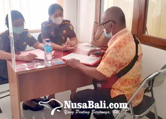 Nusabali.com - giliran-bendahara-pembantu-setda-yang-ditahan