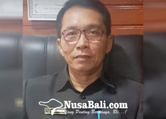 Nusabali.com - dirut-perumda-tirta-sanjiwani-tawarkan-kendaraan-lelang