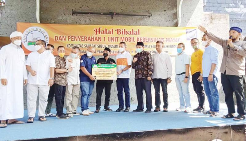 www.nusabali.com-yayasan-haji-anif-sumbang-satu-unit-mobil-kebersihan-masjid