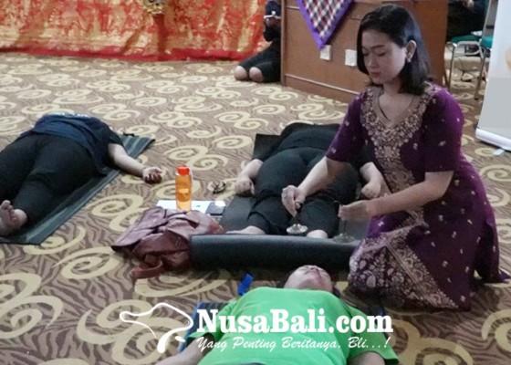 Nusabali.com - uhn-i-gusti-bagus-sugriwa-kupas-manfaat-sound-healing