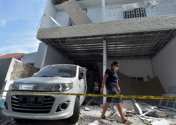 Nusabali.com - tabung-lpg-meledak-bangunan-rumah-hancur