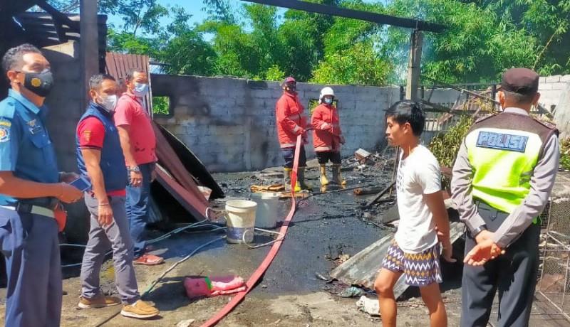 www.nusabali.com-gudang-dan-mobil-terbakar