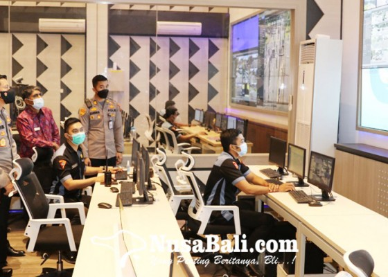 Nusabali.com - kunjungi-polda-bali-ombudsman-lihat-kecanggihan-coman-centre