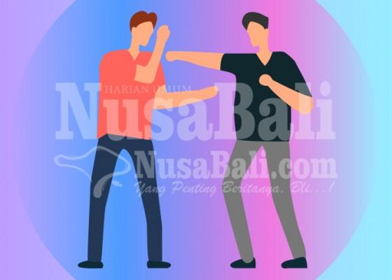 Nusabali.com - diduga-salah-paham-pedagang-dan-tukang-parkir-nyaris-adu-jotos