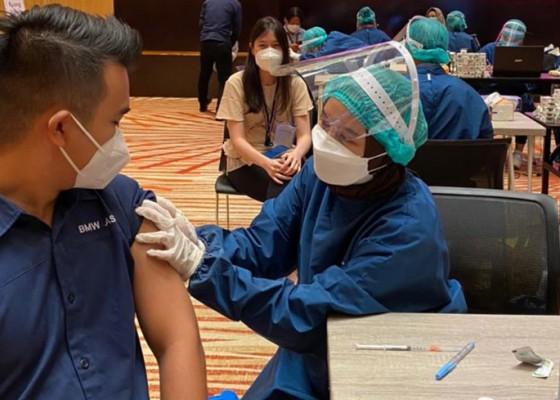 Nusabali.com - vaksin-gotong-royong-bmw-astra-vaksinasi-seluruh-karyawan