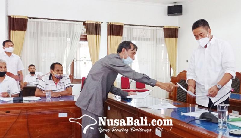 www.nusabali.com-pemilik-ruko-pasar-banyuasri-ngelurug-dewan