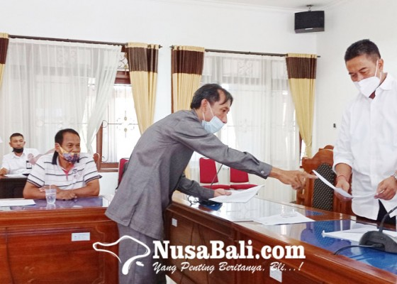 Nusabali.com - pemilik-ruko-pasar-banyuasri-ngelurug-dewan