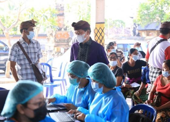 Nusabali.com - sukseskan-vaksinasi-bupati-suwirta-pertegas-perbekel
