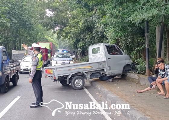 Nusabali.com - sopir-ngantuk-hantam-pick-up-dan-motor