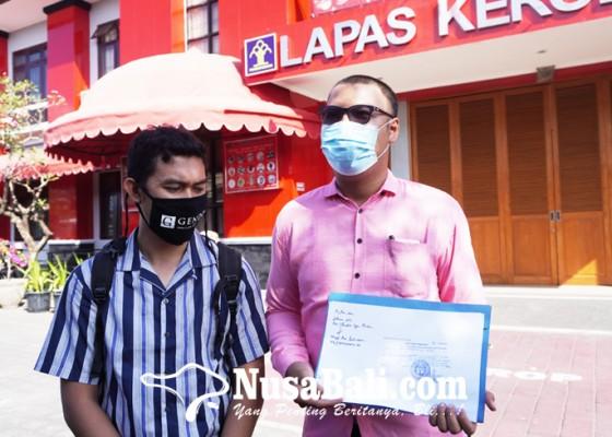 Nusabali.com - kuitansi-pembayaran-denda-diserahkan-ke-lapas-kerobokan-tanggal-8-juni-jerinx-bisa-bebas