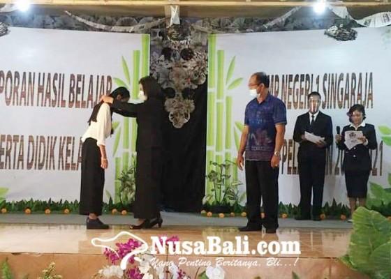 Nusabali.com - smpn-1-singaraja-lepas-lulusan-kelas-percepatan-angkatan-pertama